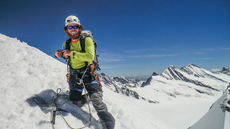 Christoph Spiegel Ist Bergfuehrer Am Moench Im Berner Oberland