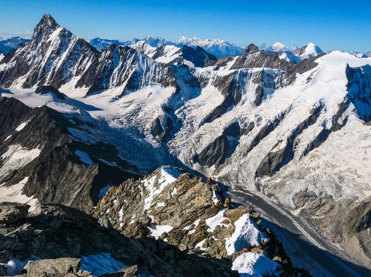 Das Berner Oberland Mit Bergfuehrer