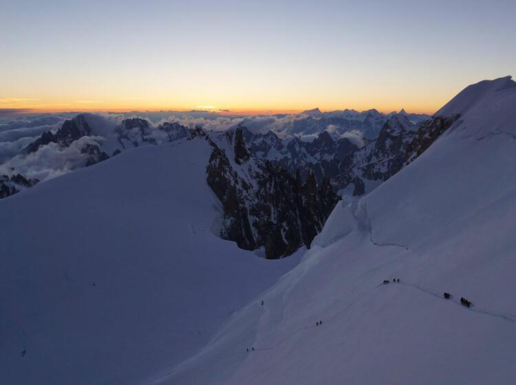 Der Aufstieg Zum Mont Blanc Mit Bergfu Hrer