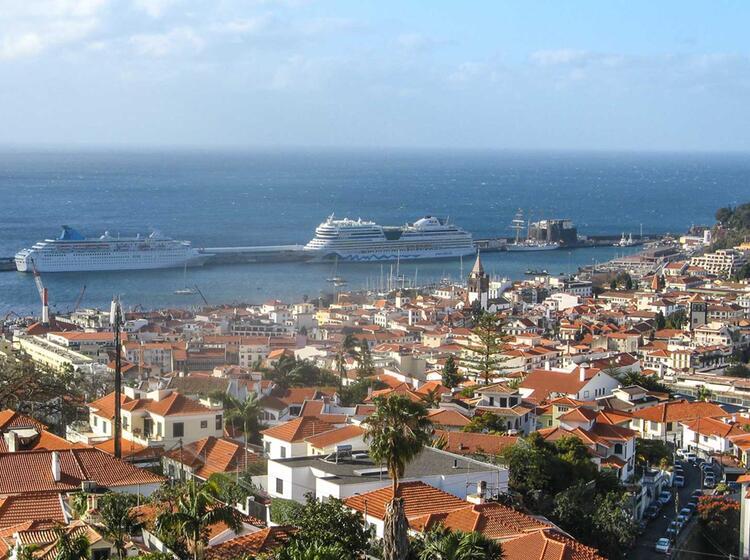 Der Hafen Auf Madeira