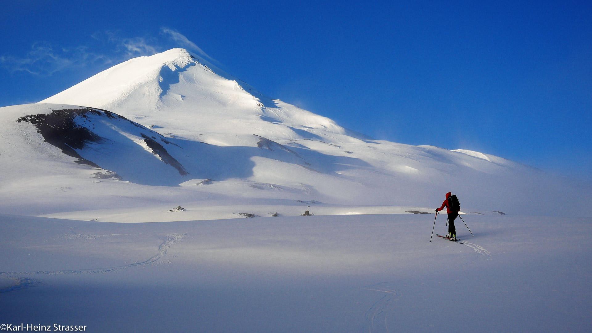 Auf Skitour zu den Vulkangipfeln