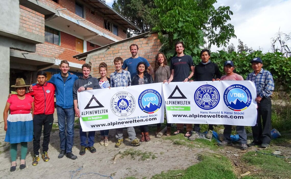 Die Expeditionsmannschaft Am Alpamayo Und Chopicalqui 2017