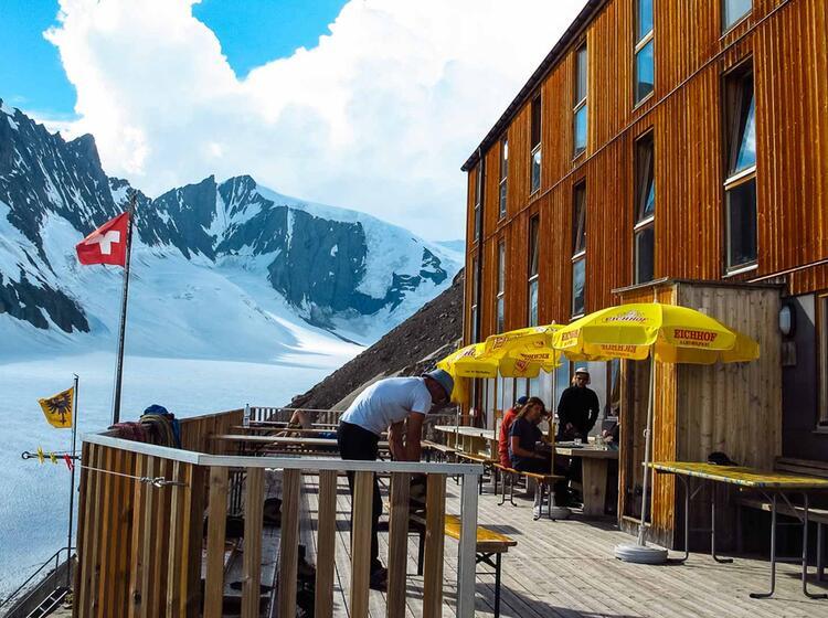 Die Finsteraarhornhu Tte Bei Den Skitouren In Der Schweiz