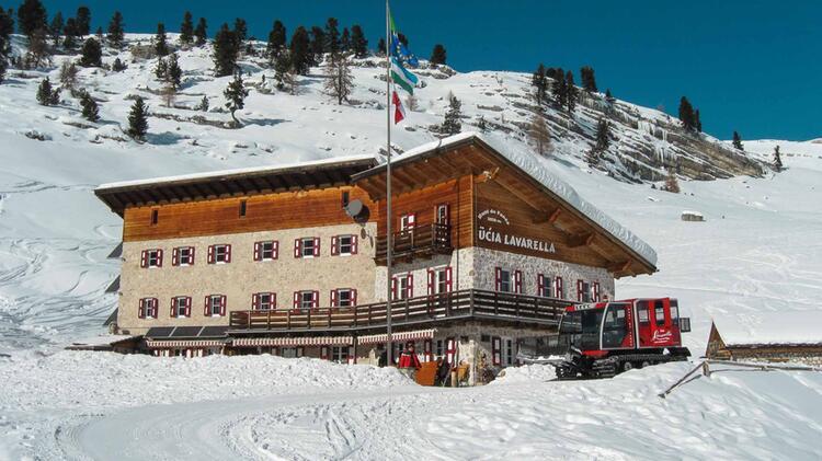 Die Lavarella Hu Tte Im Fanes Gebirge Dolomiten