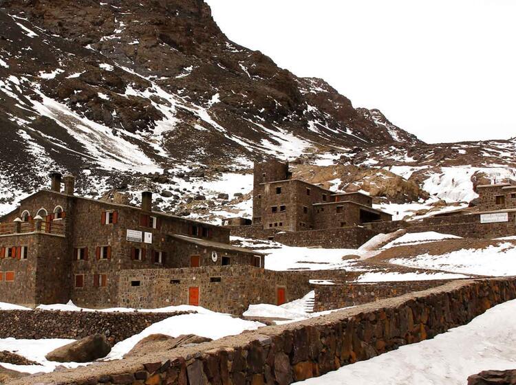 Die Toubkal Hu Tte Stu Tzpunkt Fu R Skitouren Im Hohen Atlas Zum Toubkal