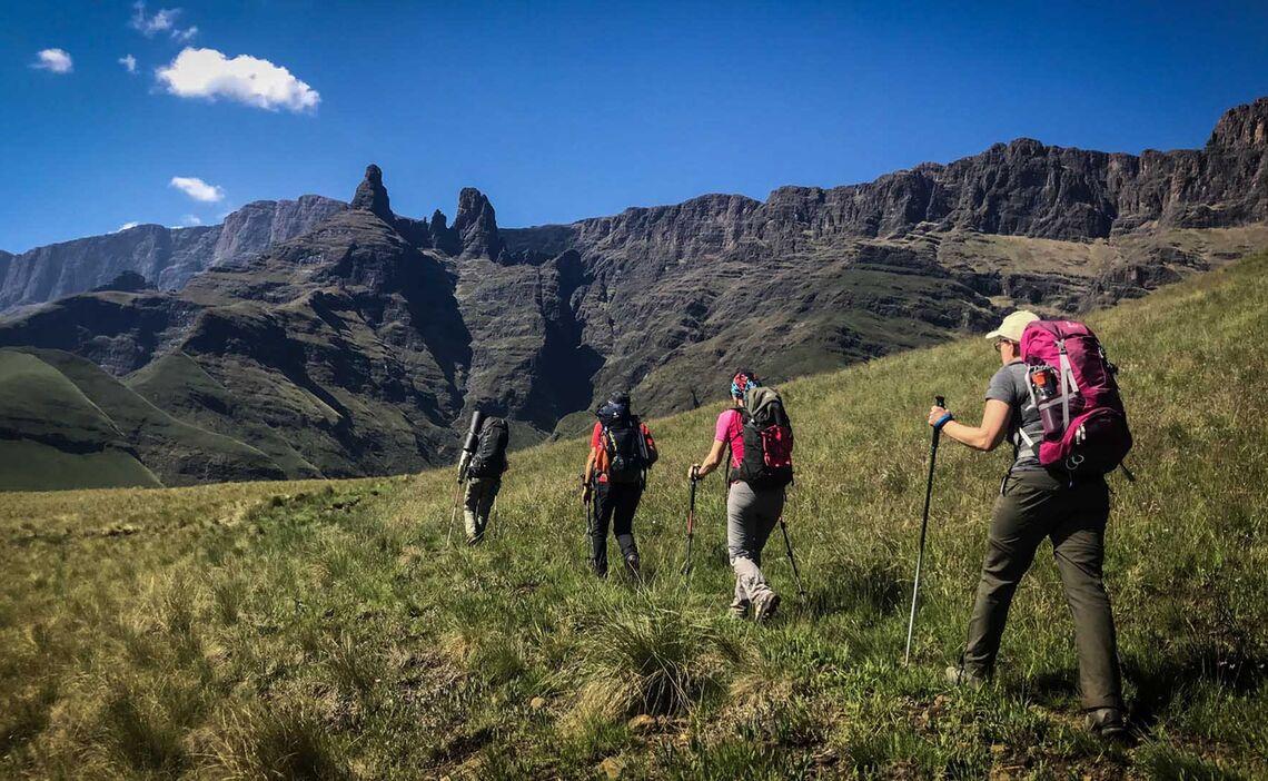 Drakensberge Abstieg Cathedral Peak