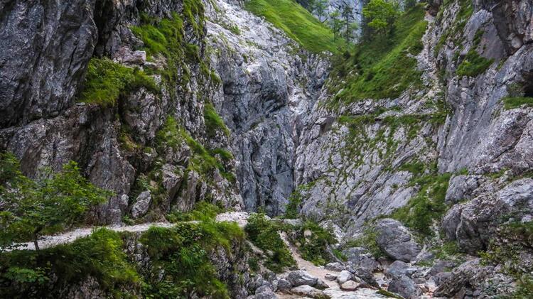 Durch Die Hoellentalklamm Auf Die Zugspitze