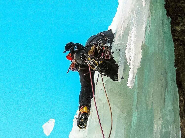 Eisklettern Fuehrung Und Kurs Mit Einem Bergfuehrer