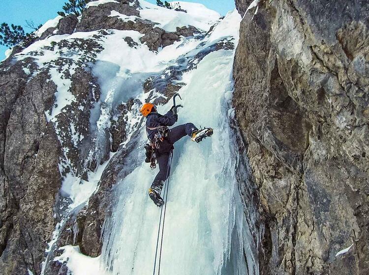 Eisklettern Im Vorstieg Mit Bergfu Hrer