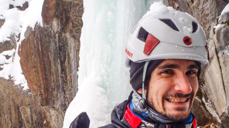 Eisklettern Lernen Mit Bergfuehrer Am Eiskletterkurs