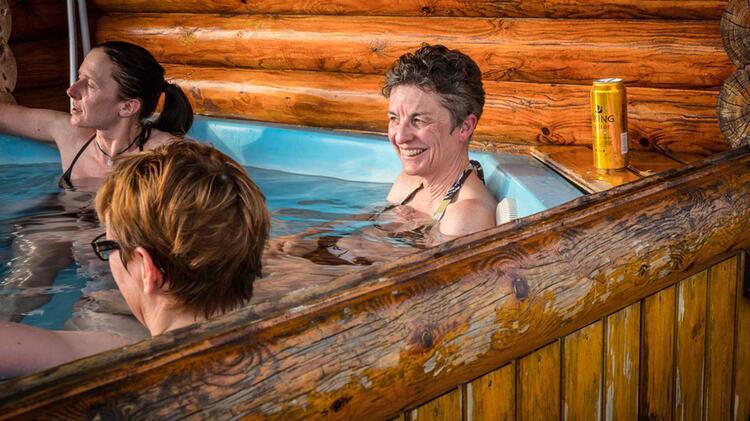 Entspannen Im Jacuzzi Auf Der Skitourenreise Island