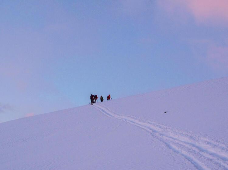 Fru Her Start Zur Skitour Strahlhorn Im Wallis