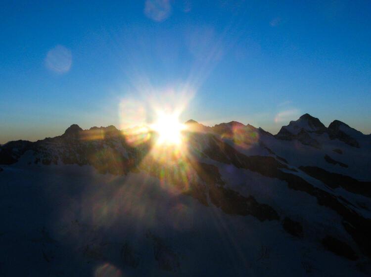 Gefuehrte Hochtouren Woche Berner Oberland