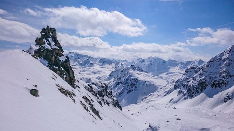 Gefuehrte Skitouren Im Engadin
