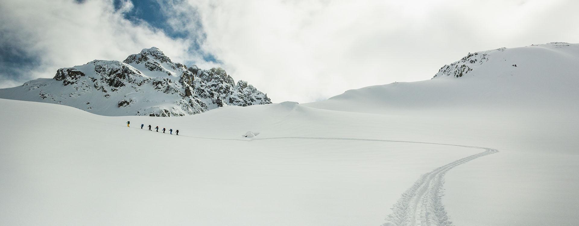 skitouren tirol schweiz italien alpine welten die bergf hrer. Black Bedroom Furniture Sets. Home Design Ideas