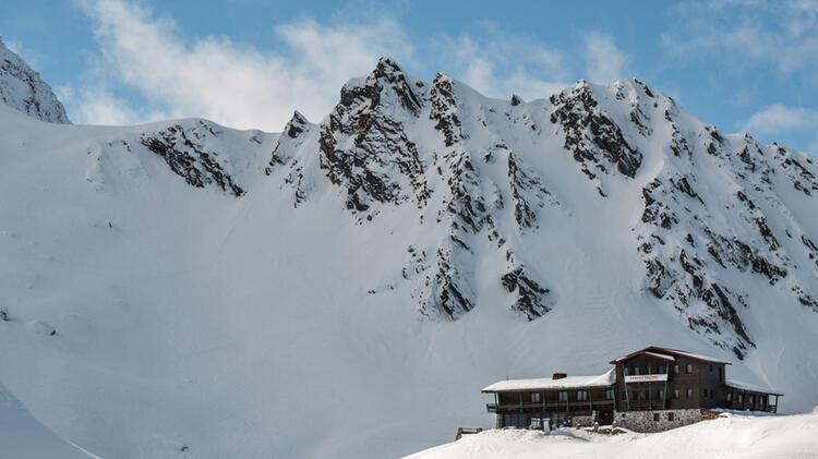 Gefuehrte Skitouren Mit Hotel In Rumaenien