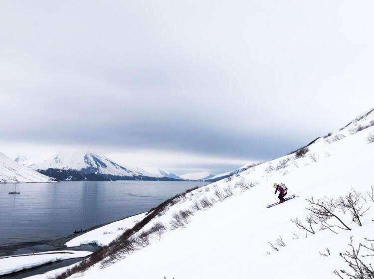 Gefuehrte Skitouren Mit Schiff In Kamtschatka