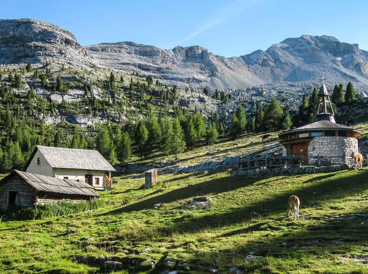 Gefuehrte Wandertouren In Der Fanes In Den Dolomiten