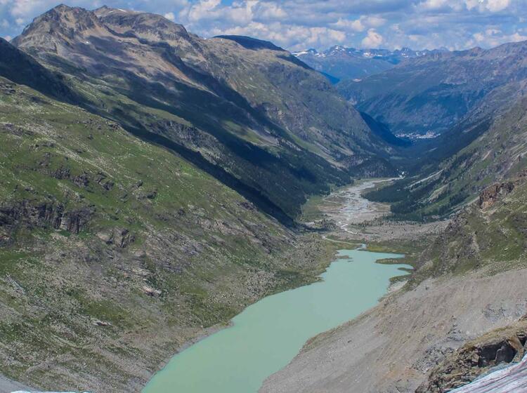 Gefuehrte Wanderung In Der Bernina