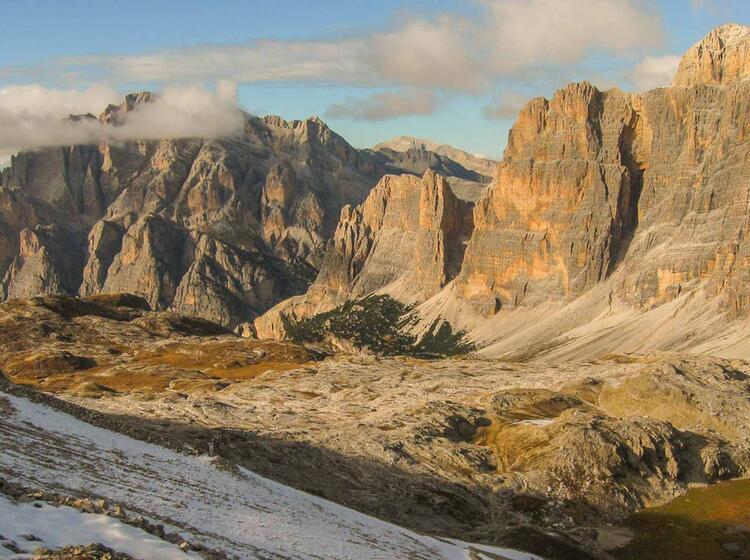 Gefuehrte Wanderung Von Huette Zu Huette In Den Dolomiten