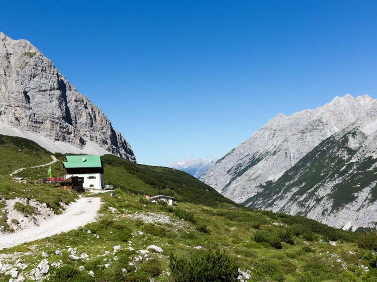 Gefuehrte Wanderwoche Im Karwendel Pfeishuette