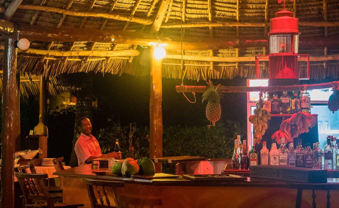 Gemuetliche Bar Auf Zanzibar Nach Dem Trekking Zum Kilimandjaro