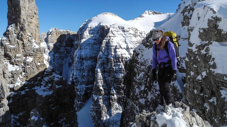Gild Charlotte Ist Bergfuehrerin In Den Westalpen Und Dolomiten