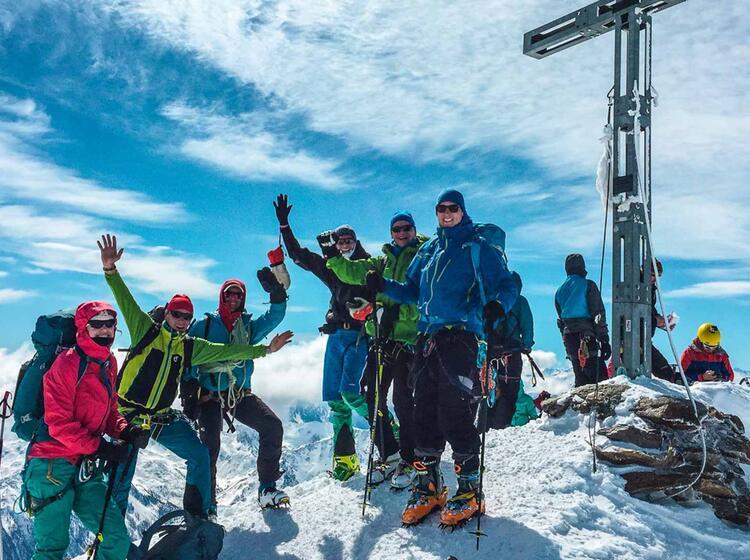 Gipfel Der Wilspitze Mit Tourenski