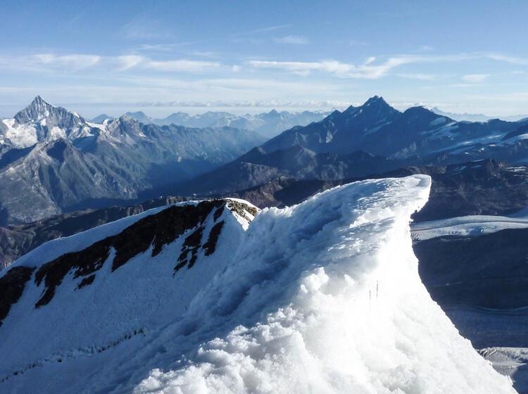 Gipfel Waechte Im Wallis