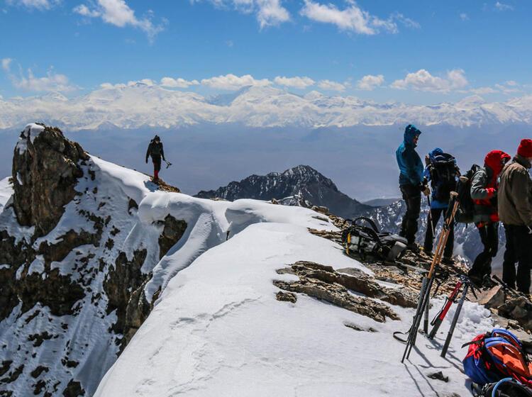 Gipfelerfolg In Kirgistan Am Pik Lenin Basislager Trekking