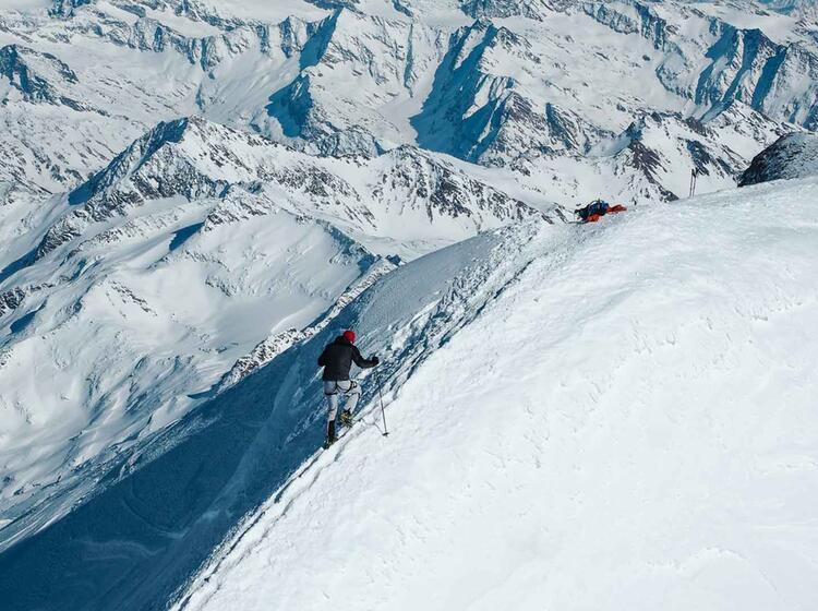 Gipfelgrat Grossvenediger Am Skidepot