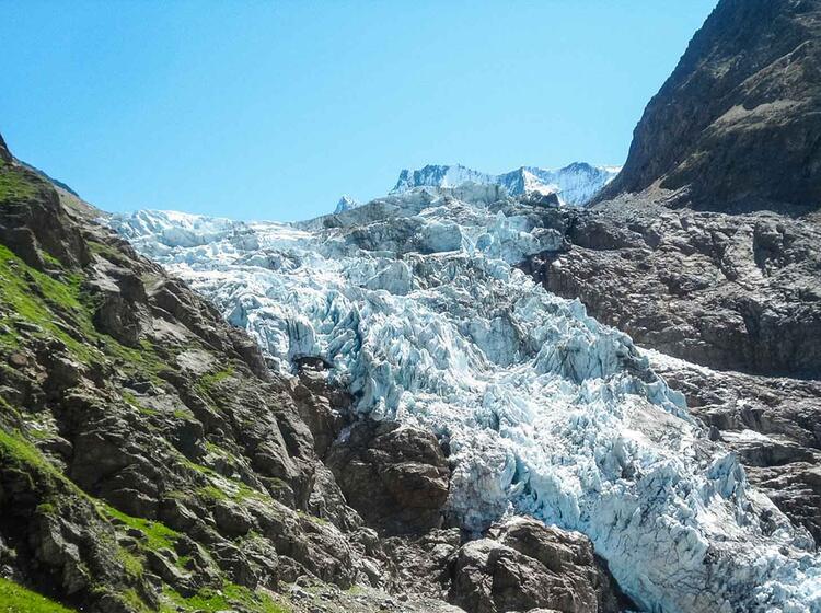Gletscher Am Schreckhorn Auf Der Hochtour Mit Bergfuehrer