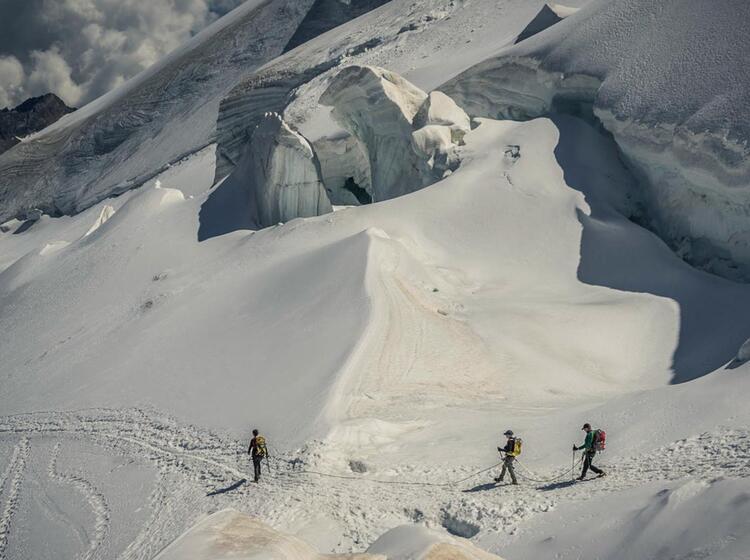 Gletscherbruch Im Abstieg Vom Allalinhorn Auf Der Hochtourenwoche Im Wallis