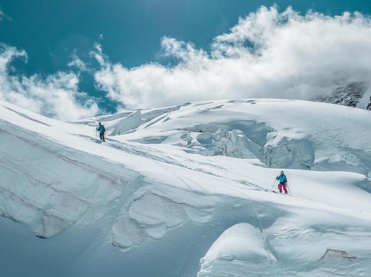 Gletscherbruch In Der Abfahrt Zur Monterosahu Tte Mit Bergfu Hrer