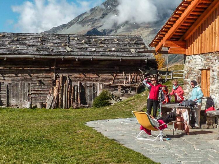 Herbstwandern In Suedtirol Vom Hotel Im Ahrntal