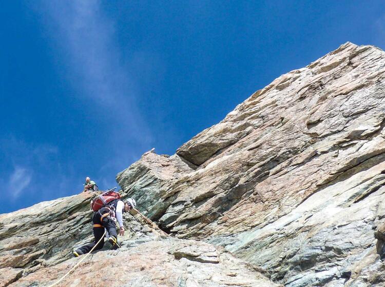 Hochtouren Im Wallis Mit Bergfueher