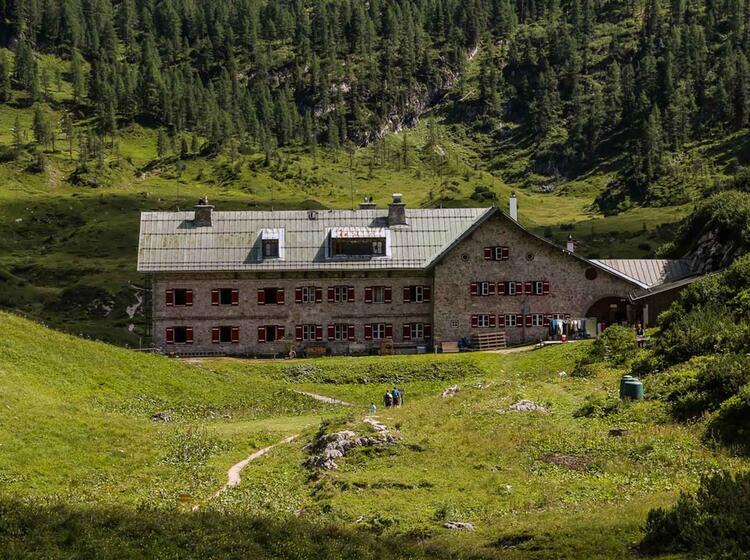 Huettentour Zum Kaerlingerhaus