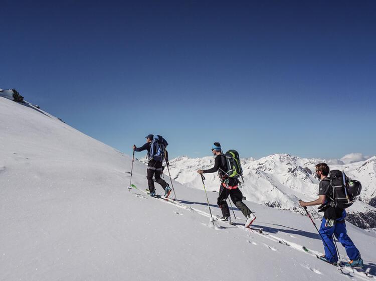 Im Aufstieg An Der Tour Du Ciel Skidurchquerung Schweiz