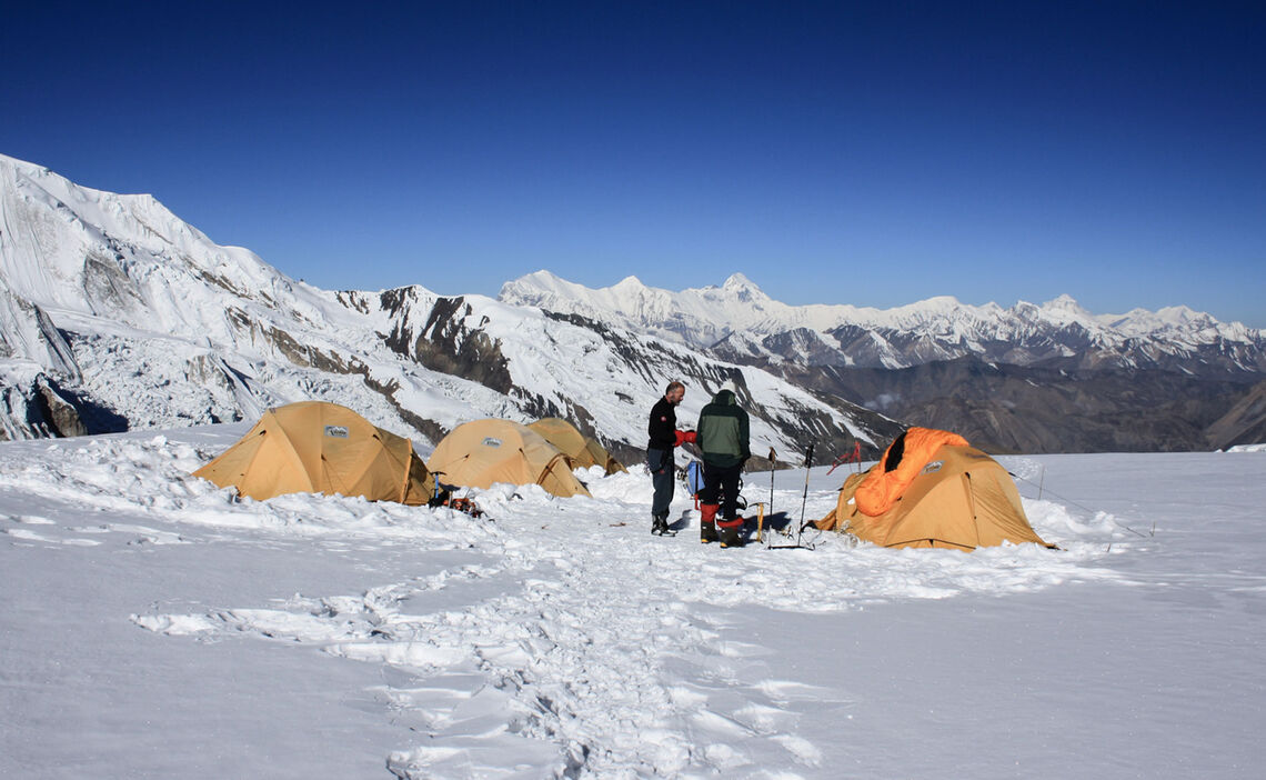 Im Lager Ii Der Himlung Himal Expedition
