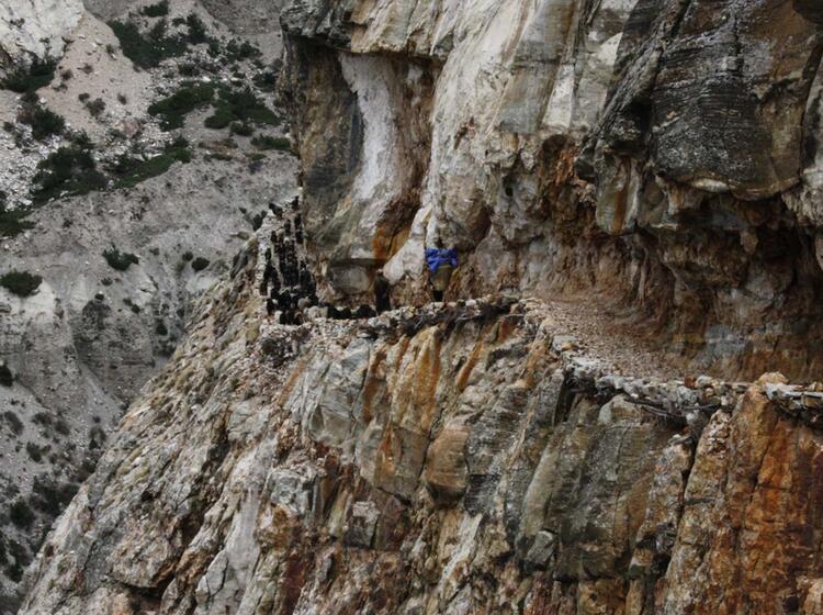 In Den Fels Geschlagener Weg Im Naar Phu Tal Nepal