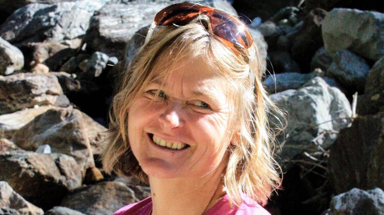 Isolde Fink Bergwanderfuehrering In Den Alpen
