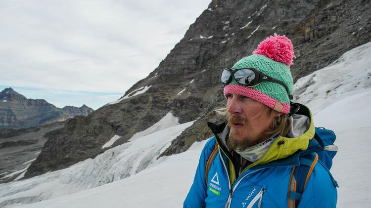 Ivo Meier Ist Bergfuehrer In Der Schweiz