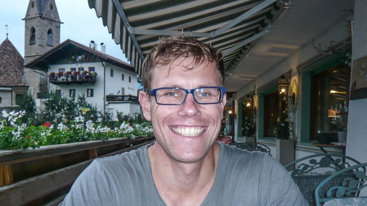 Jens Lang Ist Bergfuehrer Bei Kletterkursen Und Skitouren