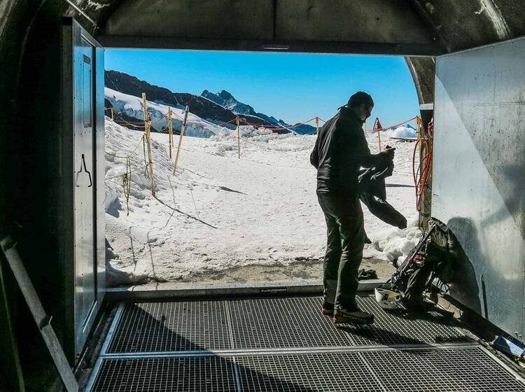 Jungraujoch Ausstieg Auf Den Gletscher