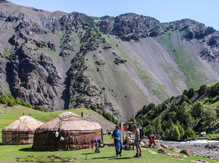 Jurten Trekking In Kirgistan