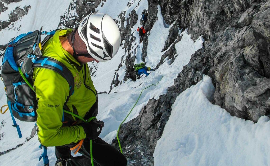 Kletterei Am Hintergrat Mit Bergfuehrer