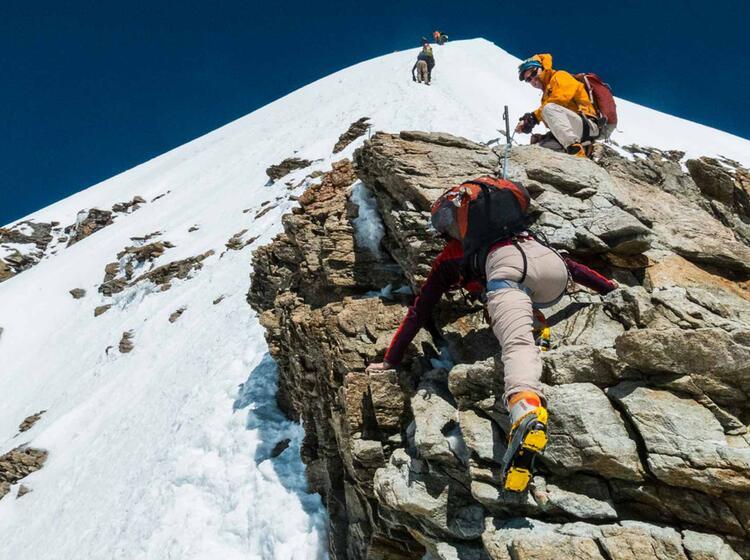 Kletterei Am Moench Auf Hochtour