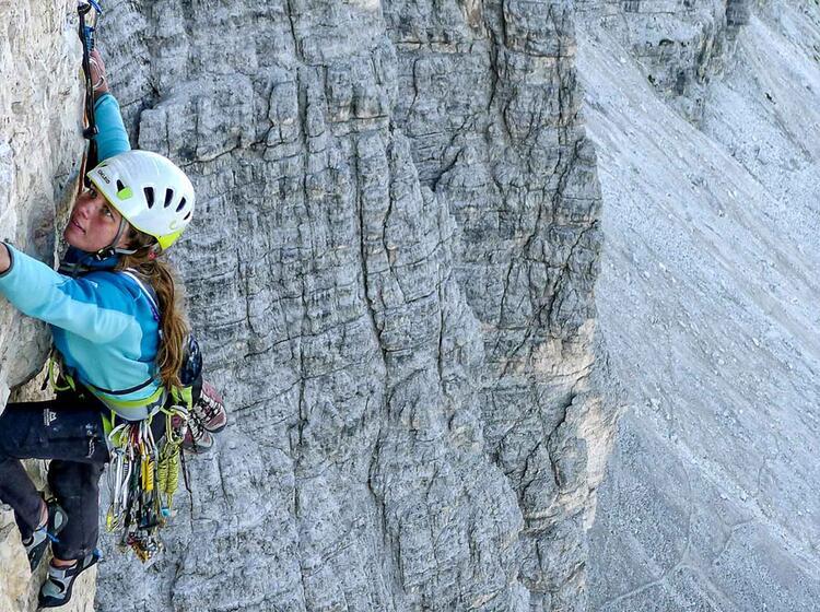 Klettern Mit Bergfuehrer In Der Cassin An Den Drei Zinnen