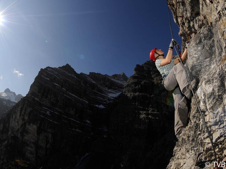 Klettersteig An Der Ochsenwand Im Stubai