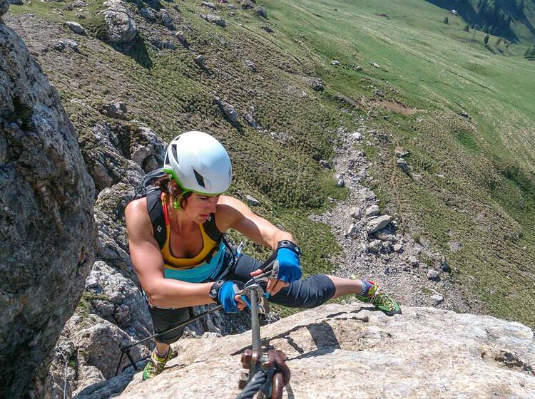 Klettersteigfuehrung In Den Dolomiten In Cortina Und Im Groedner Tal
